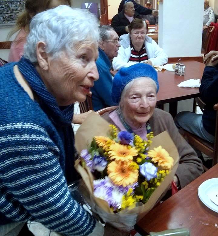 ניצולת השואה הגב' שושנה קולמר חוגגת יום הולדת 95