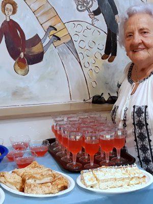 חג השבועות: מסיבת חג שבועות חגיגית טעימה ומרגשת לניצולי השואה