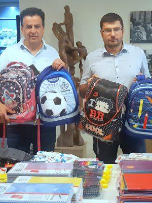 """הביקוש גובר: עמותת """"יד עזר לחבר"""" ממשיכה לחלק מאות ילקוטים נוספים לילדים ממשפחות נזקקות"""