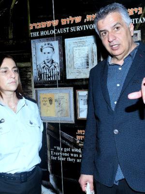 """נציבת שירות בתי הסוהר (שב""""ס) רב – גונדר קטי פרי ביקרה את ניצולי השואה בעמותת """"יד עזר לחבר"""" בחיפה"""