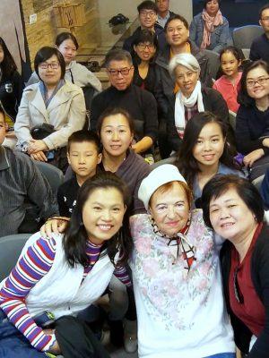 """אורחים מחו""""ל: משלחות גדולות מסינגפור ושוויץ ביקרו ב""""מוזיאון השואה"""" בחיפה"""