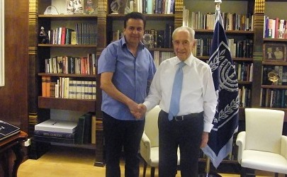 Mr. Shimon Peres praises Shimon Sabag on his sacred work for the struggling classes in Israel