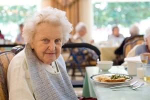 כתבה על ניצולי השואה החיים בהוסטל העמותה הכתבה שודרה בערוץ 10